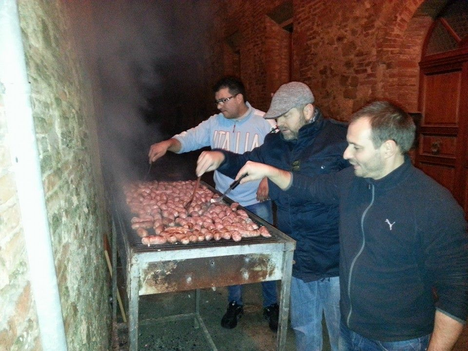 Vai di salsiccia super contrada S Donato